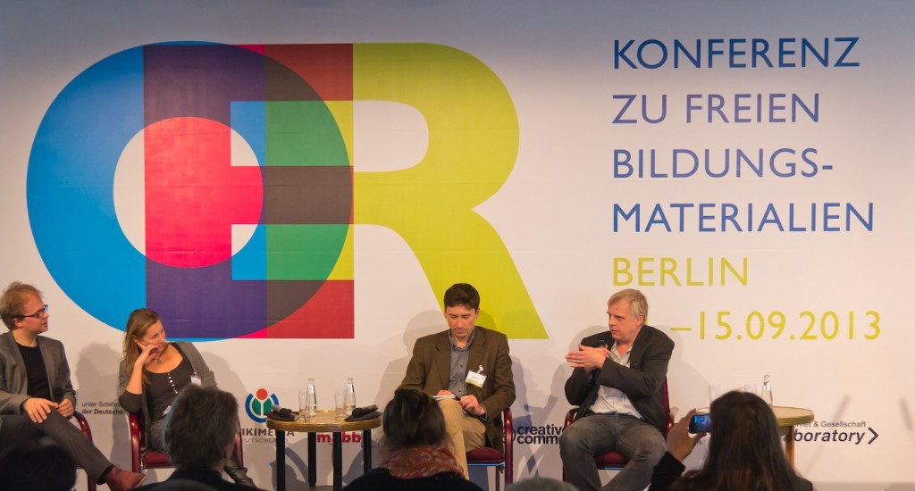 Jöran Muuß-Merholz, Claudia Bremer, Philipp Schmidt, Martin Lindner auf der OER-Konferenz 2013